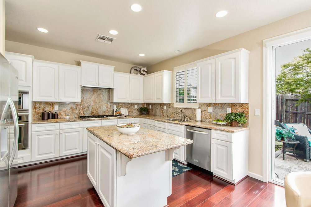 2198 Goodstone Way Roseville-MLS_Size-011-10-Kitchen-1200x800-72dpi.jpg