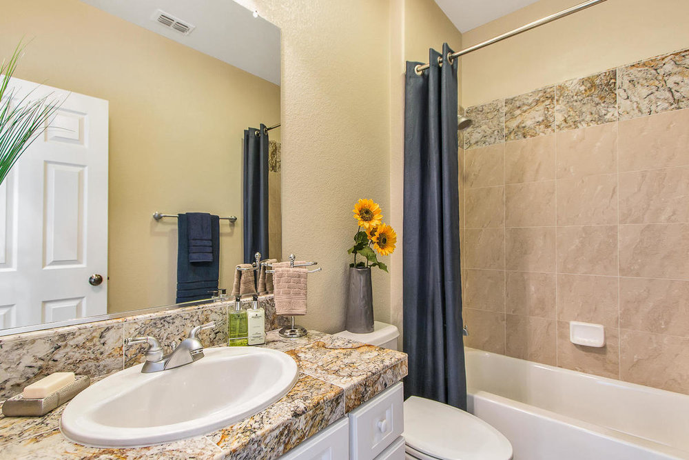 2198 Goodstone Way Roseville-MLS_Size-027-33-Lower Bathroom-1200x800-72dpi.jpg