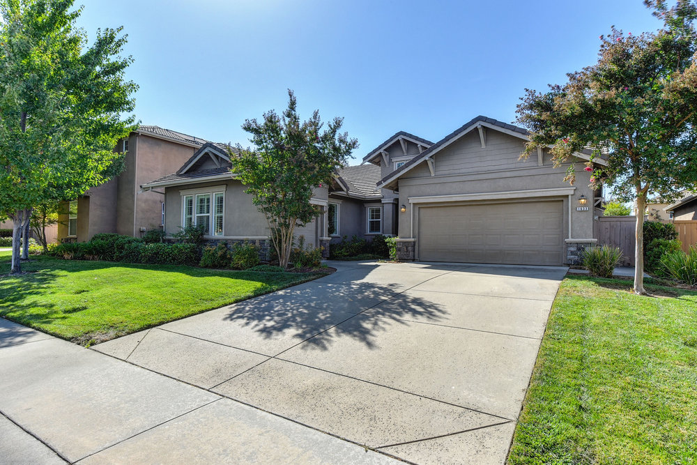 The-Sherri-Patterson-Team-Keller-Williams-Physician-Relocation-Just-Listed-Crowle-Court1.jpg