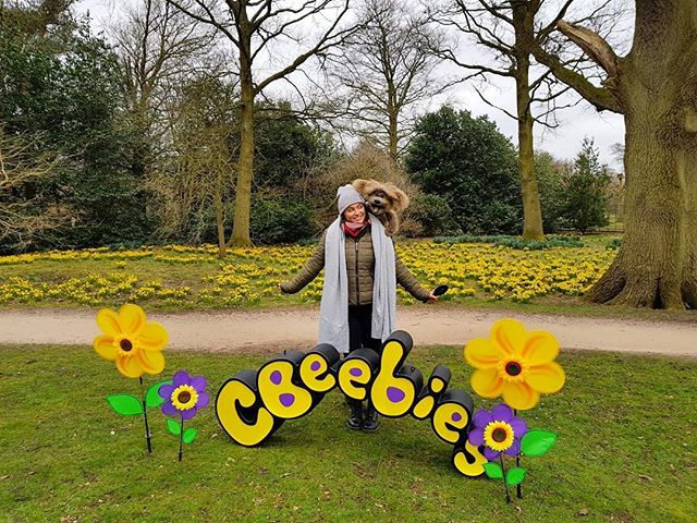 Had such a great work week last week for CBeebies but I can't share just yet what it was for! 🙊 So here's a lovely picture of me and my friend Dodge on a cold winters day, that apparently warranted me to wear two scarves?! 🤷🏻♀️
