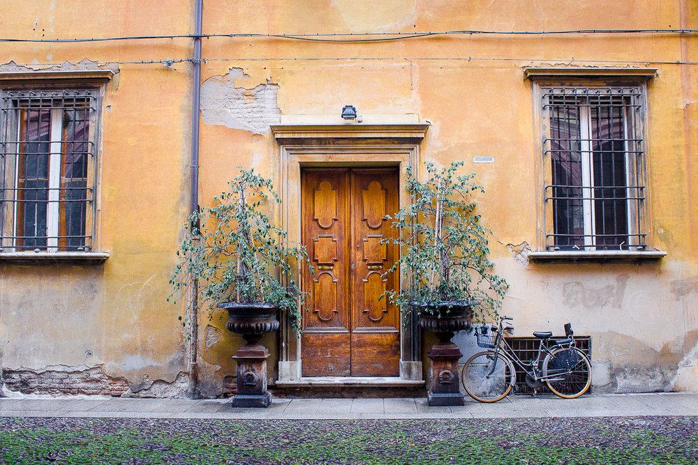 bologna-streets.jpg