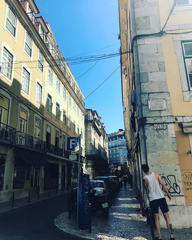 Looking for, looking at... #lisbon #sun #sky #tbt #love