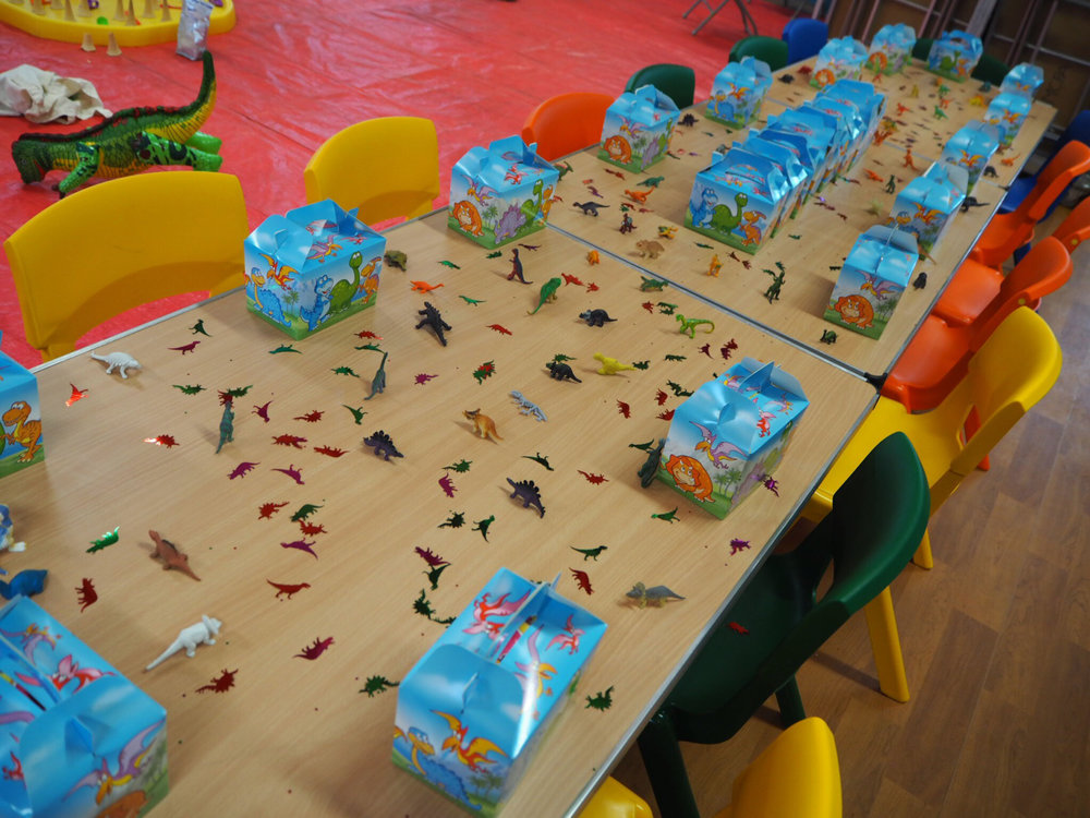 mummy blog, boys birthday party ideas, dinosaur party ideas, messy play parties