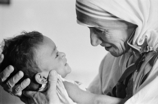 mother-teresa-and-child.jpg