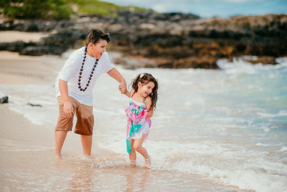 Lopez Family Vacation on Waimanalo Beach - Hawaii Family Photographer - Ketino Photography15.jpg