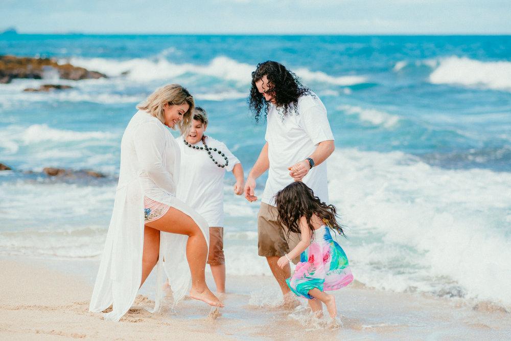 Lopez Family Vacation on Waimanalo Beach - Hawaii Family Photographer - Ketino Photography89.jpg