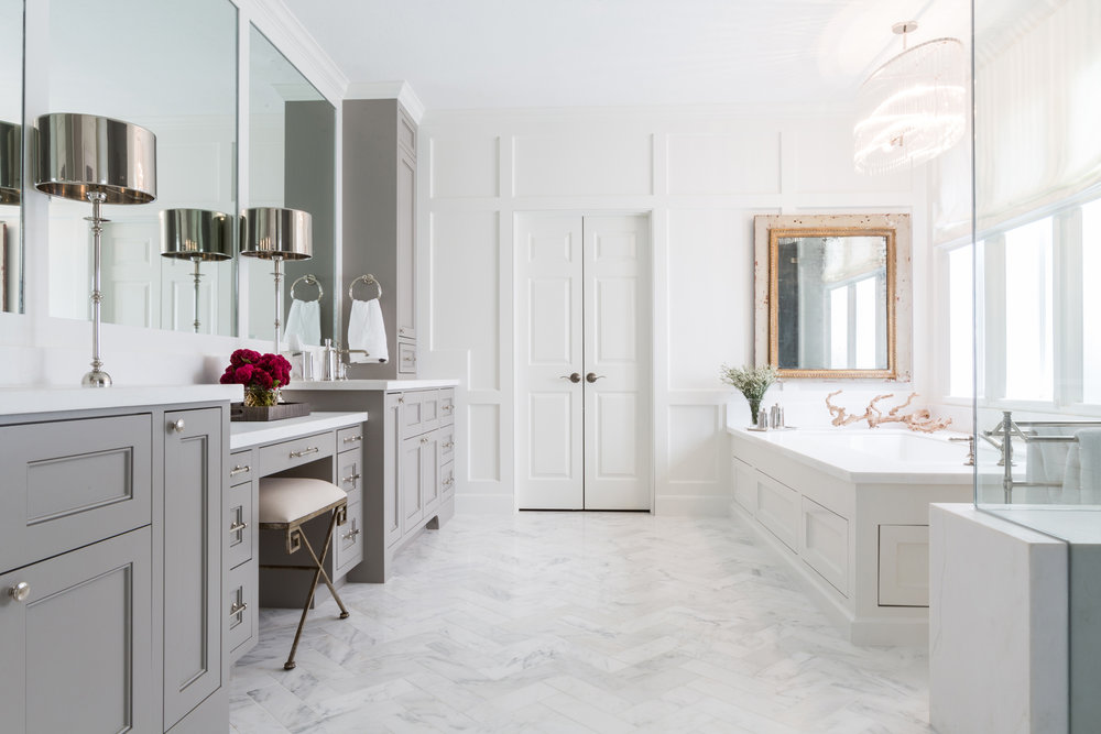 Marie-Flanigan-Interiors-Modern-Contemporary-Bath-Paneled-Walls.jpg