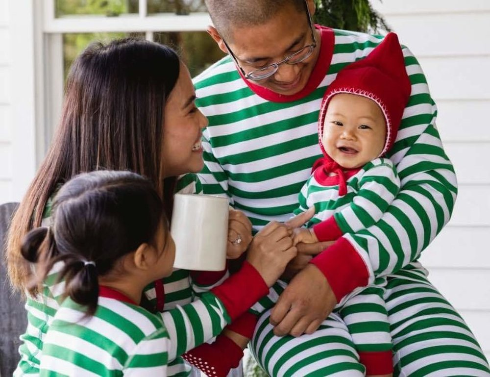 Gray Oak Studio - Wednesday Five - Coordinating Holiday Pajamas from Hanna Andersson