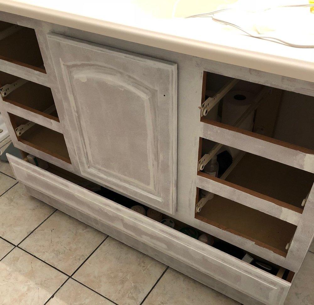 Gray Oak Studio - 2 Days 200 Dollars - Prepping bathroom vanity for paint