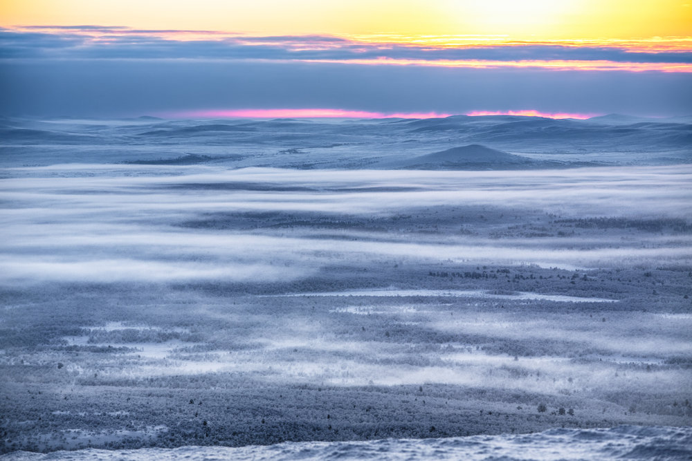 misty_winter_sunset_lapland.jpg