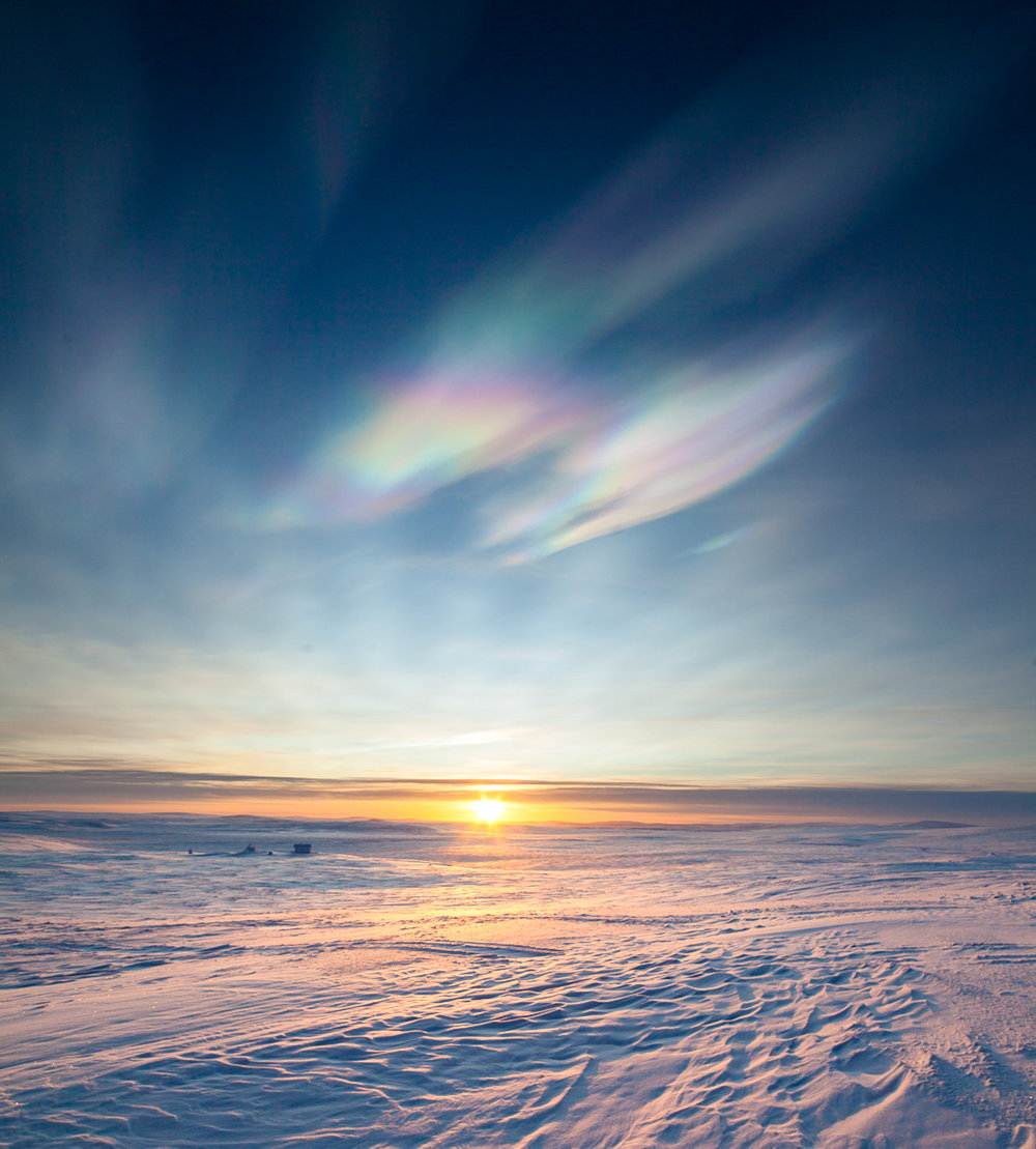 polar_stratospheric_clouds_lapland.jpg
