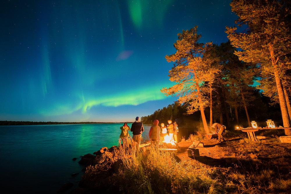 northern_light_lake_view_tour.jpg