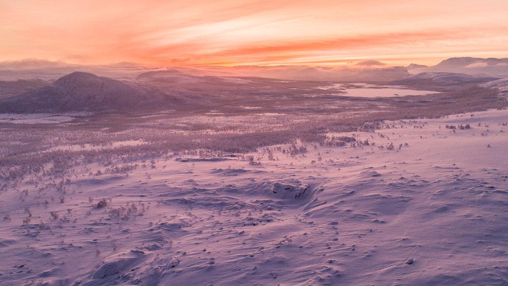 polar_night_sunset_canon.jpg