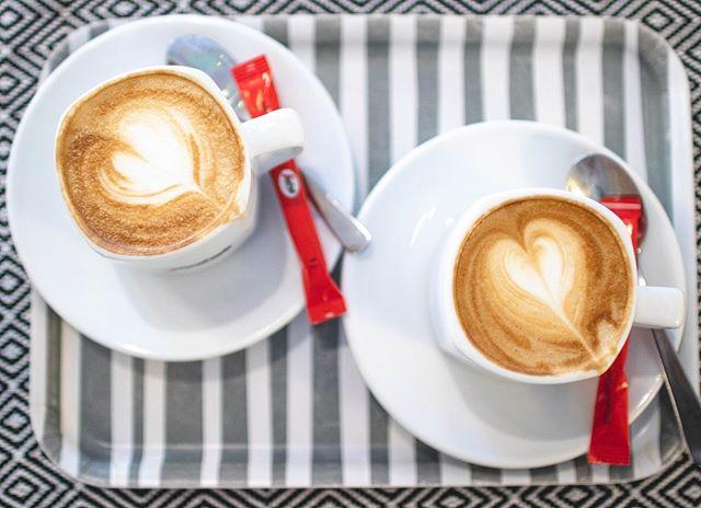 Mikä on sinun suosikki erikoiskahvi? Pehmeä cappuccino, maitoisampi vaihtoehto latte vai nopea ja pirtsakka espresso? ☕️☕️☕️ #kahvi #capuccino #latte #erikoiskahvi #coffee #espoo #tapiola #otsolahti