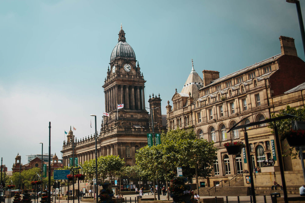 Leeds Yorkshire Wedding Photographer Town Hall in Summer