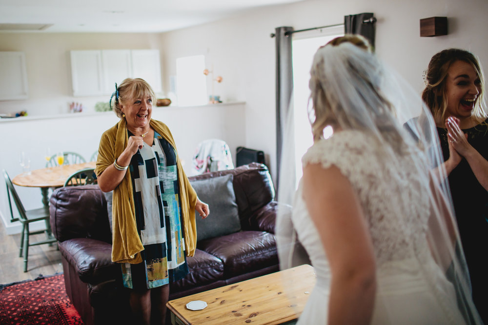 Brides mother sees her dressed for the first time in Scotland