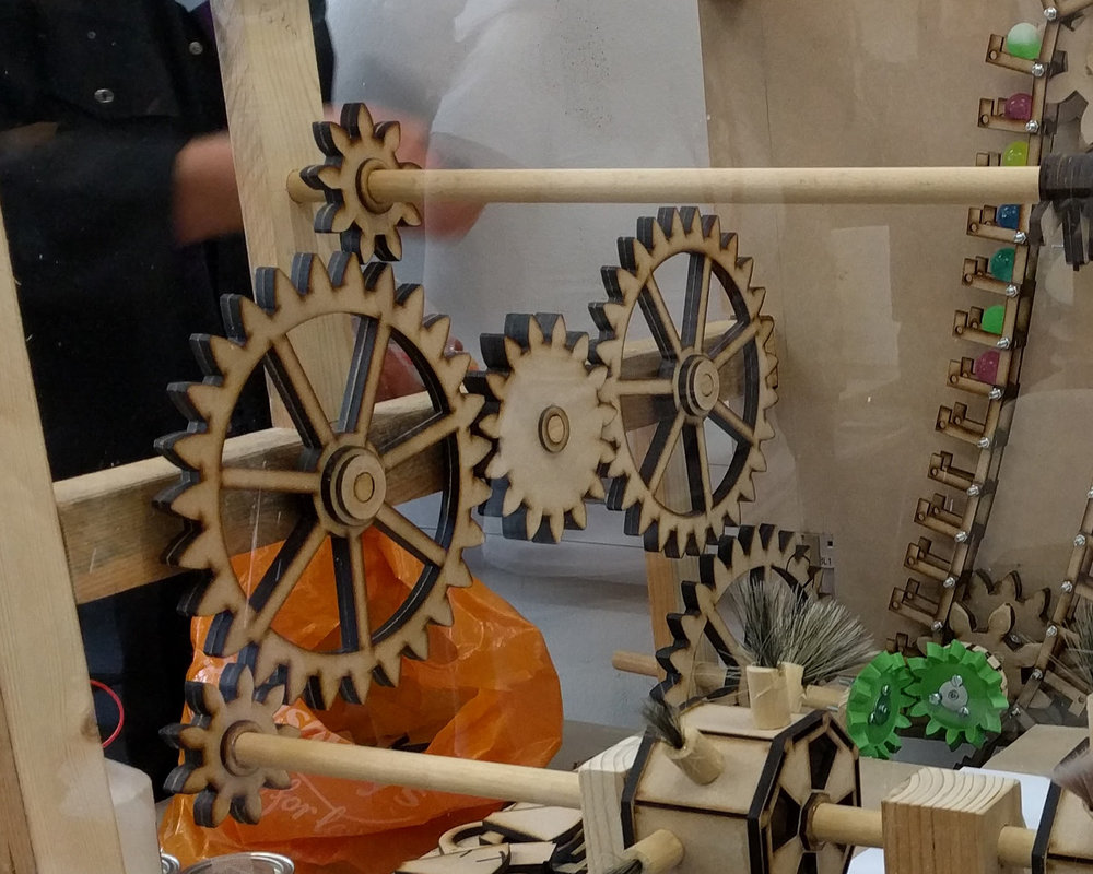 All the mechanisms are driven by the hand-driven crank shaft
