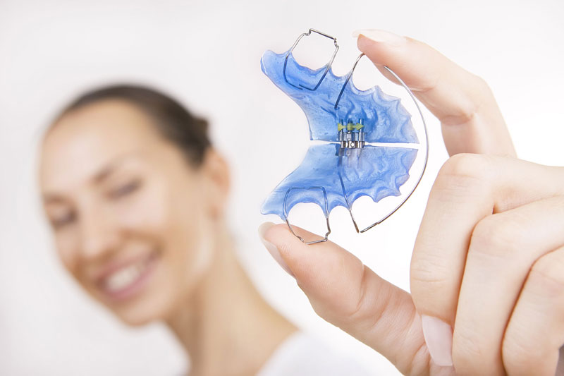 palate expanders and retainers at philadelphia orthodontics