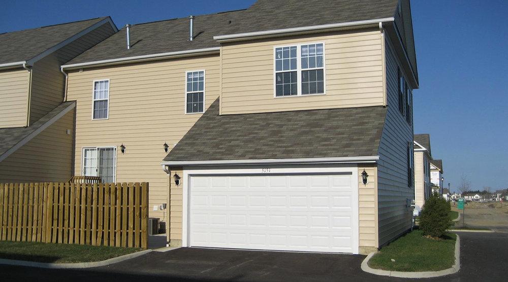 5151 garage.jpg