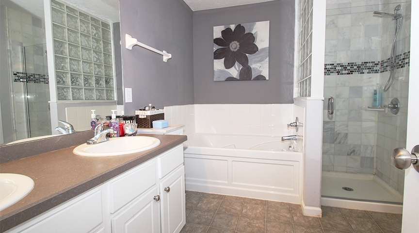 Master Bathroom- 1 (2).jpg