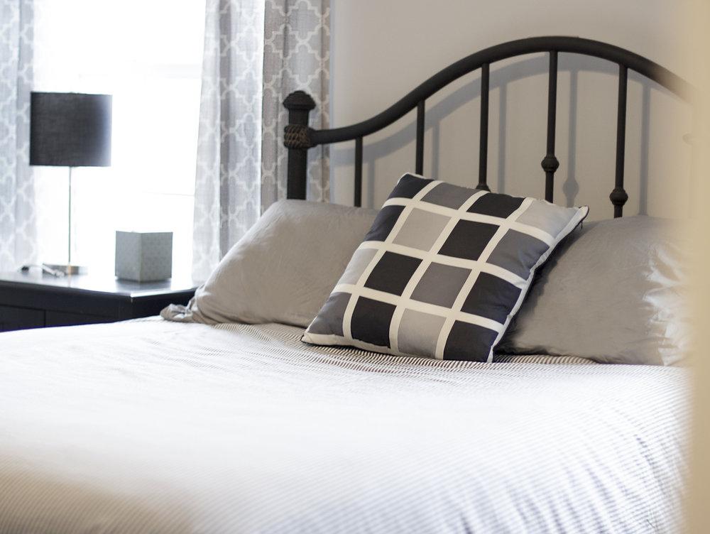 IMG_0754 bed2.jpg