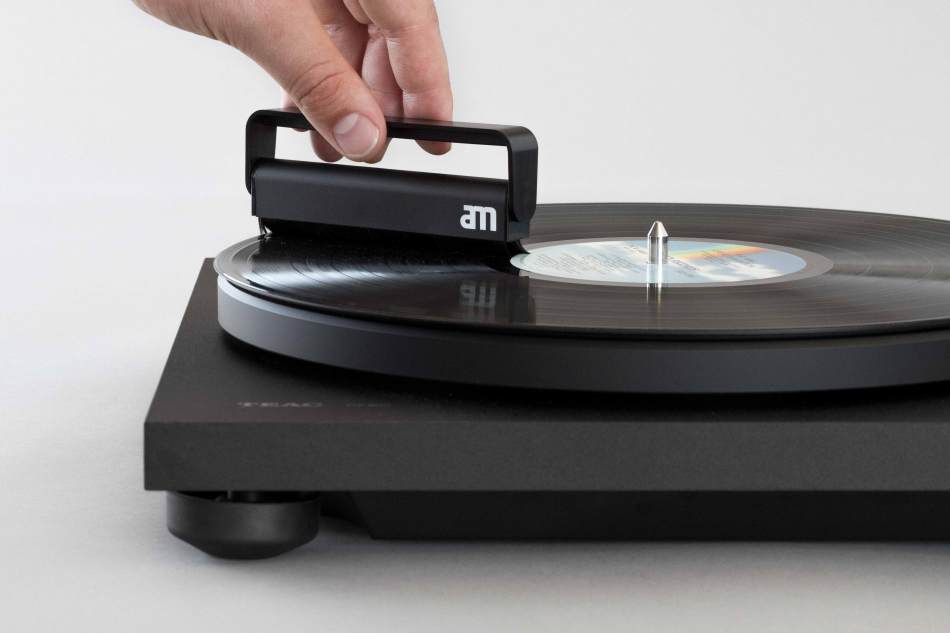 ROTIBABI_AM_CleanSound_Vinyl_Brush