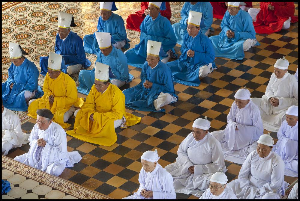 Cao Dai Holy See Worshippers-1_2010.jpg