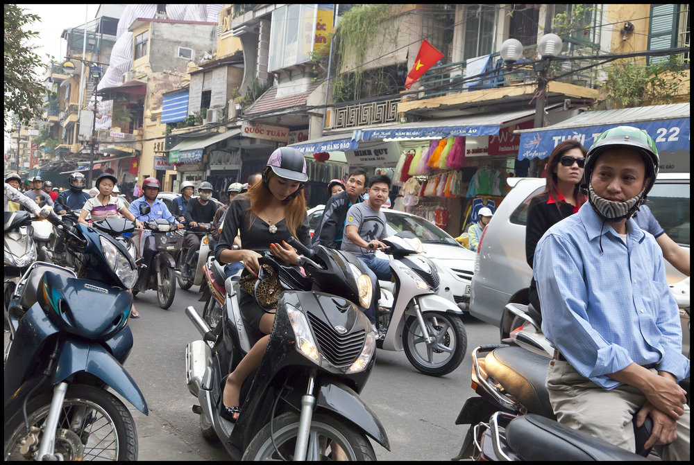 Hanoi Commuters_2010.jpg