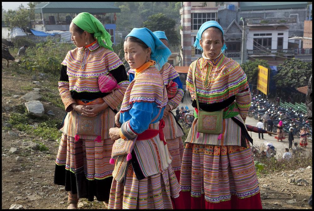 Hmong Women-1_2010.jpg