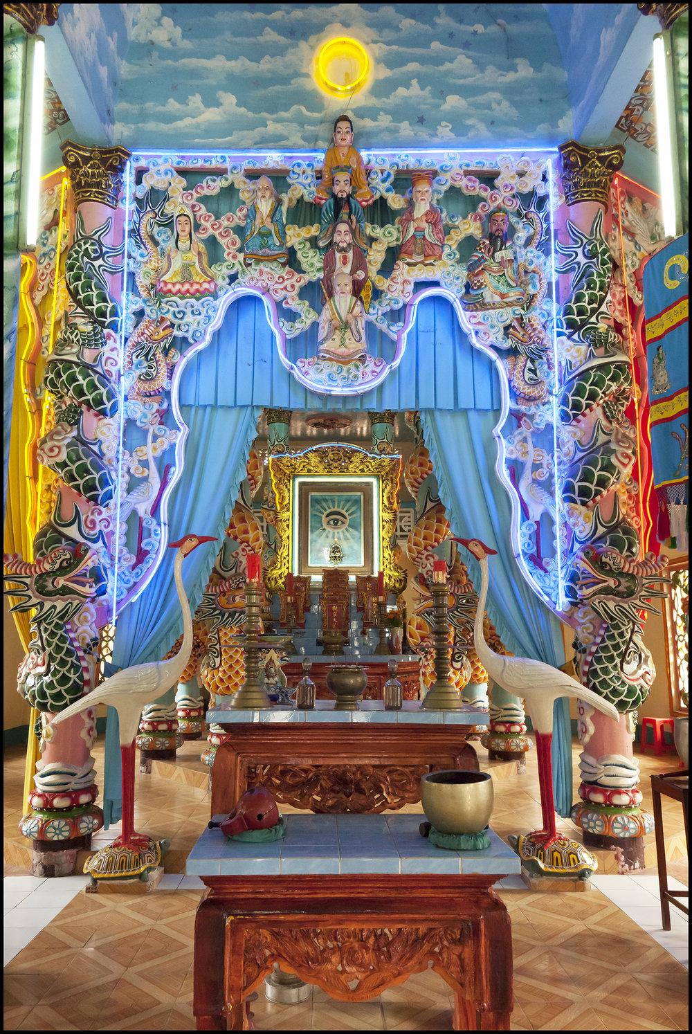 Cao Dai Shrine 10.11.17.jpg