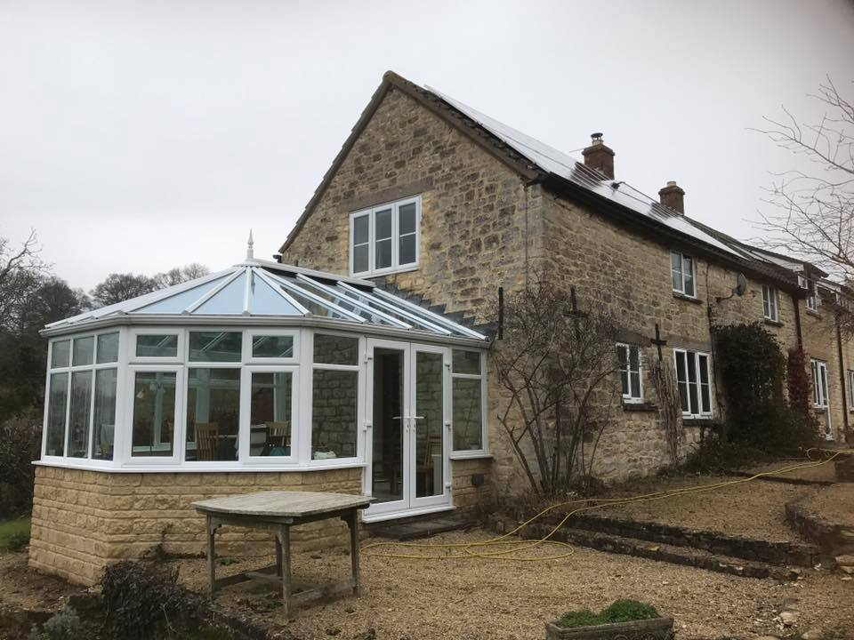 Cotswold house with conservatory