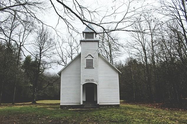 chapel-1844713_640.jpg