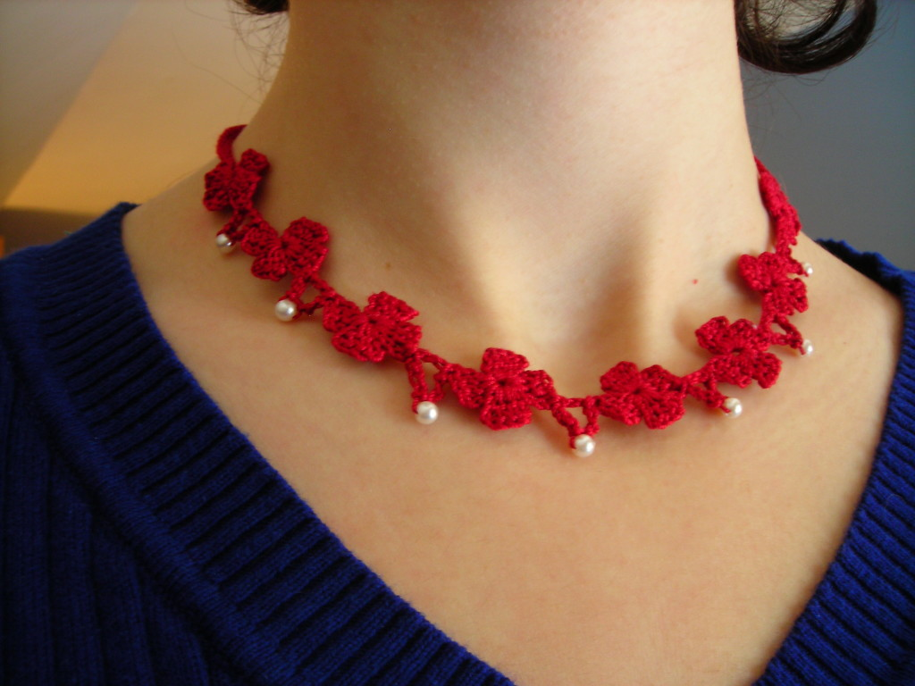 Poppies & Pearls Necklace Pattern
