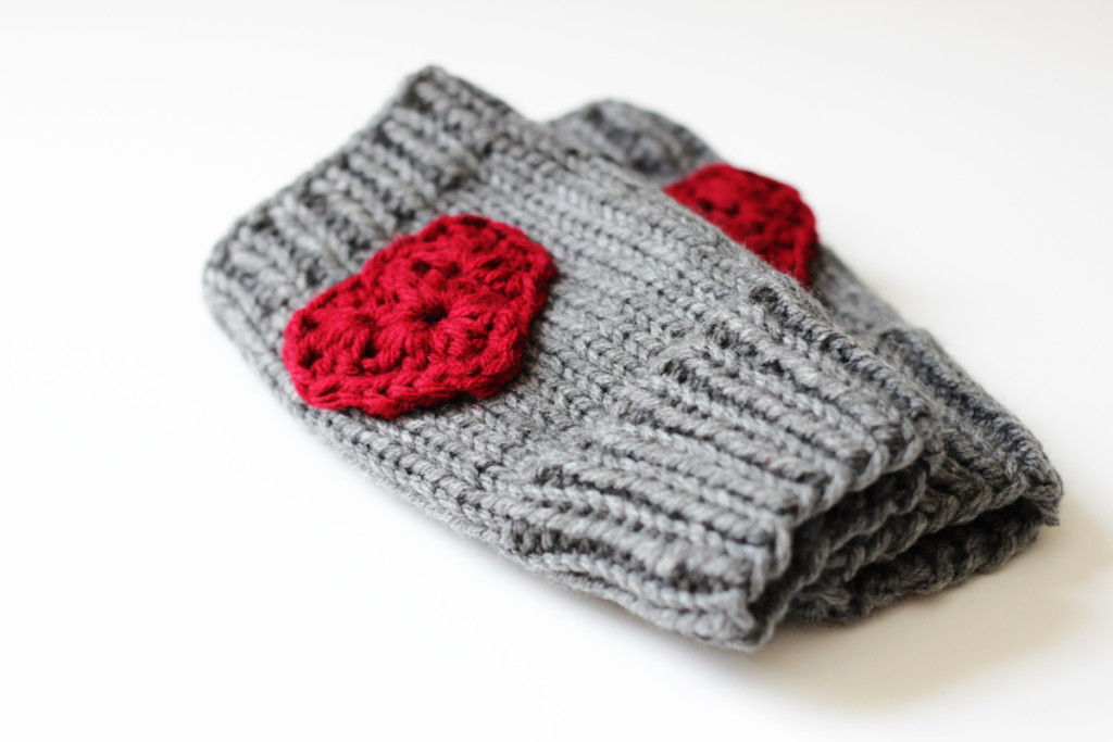 heart fingerless gloves knitting pattern