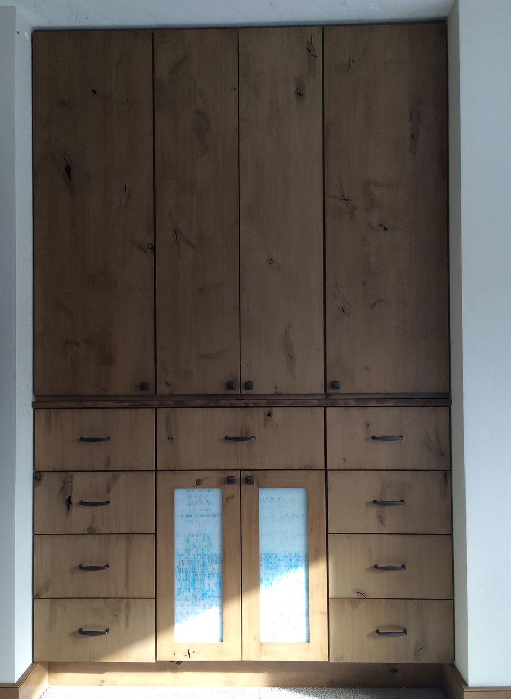 cabinet-04c.jpg