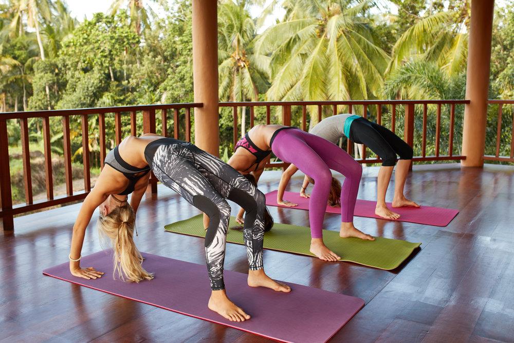 Group+Yoga.jpg