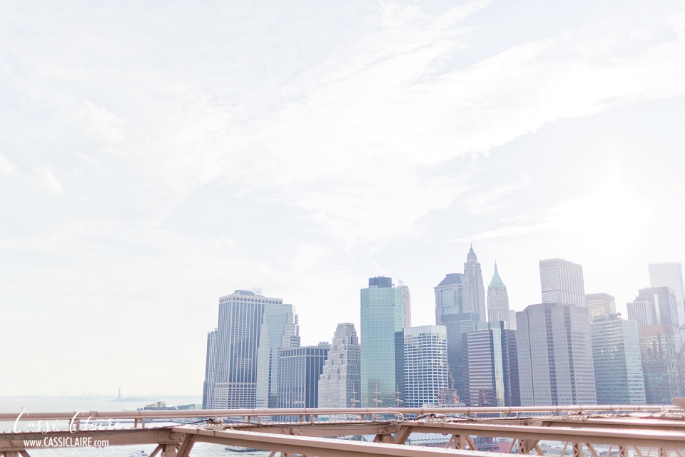 Brooklyn-Bridge-Engagement-Photos-Cassi-Claire_01.jpg