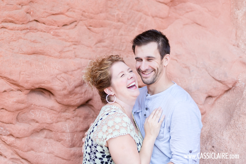 Garden-of-the-Gods-Engagement-Photos_03.jpg