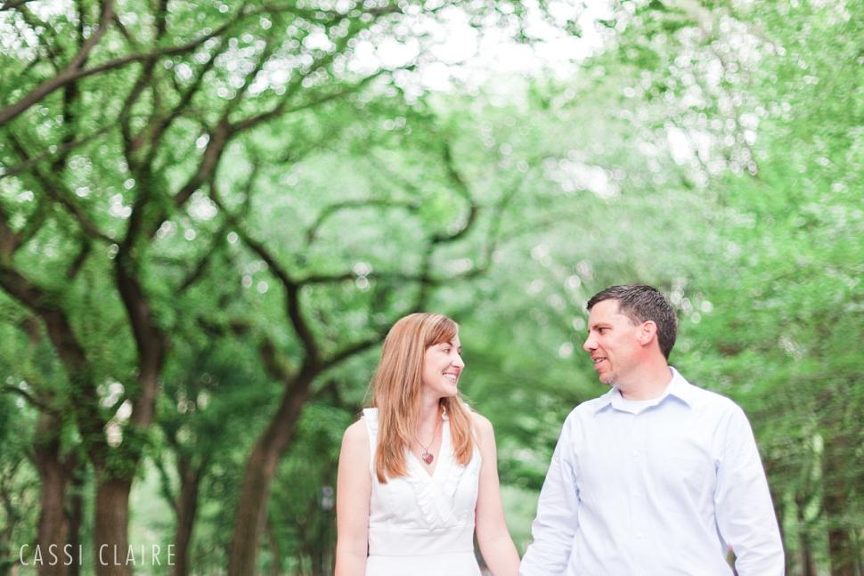 Central-Park-Engagement-Photos_CassiClaire_02.jpg