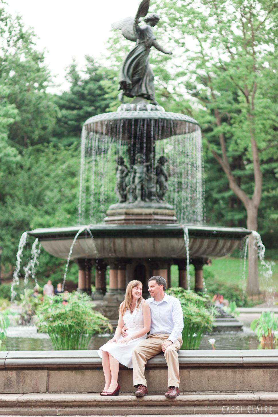 Central-Park-Engagement-Photos_CassiClaire_03.jpg