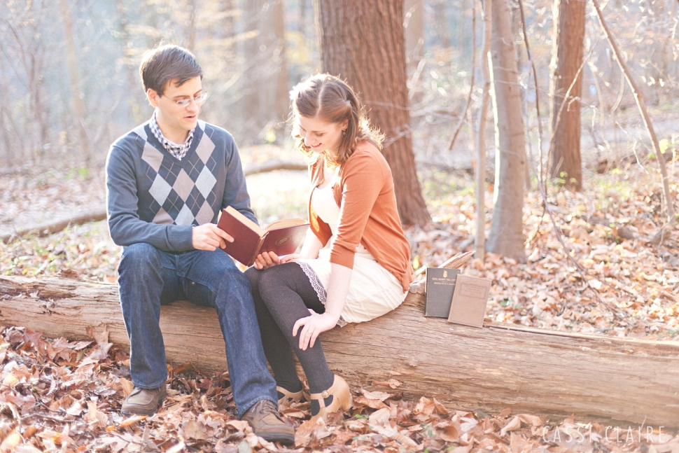 Book-Themed-Engagement-Photos_CassiClaire_04.jpg