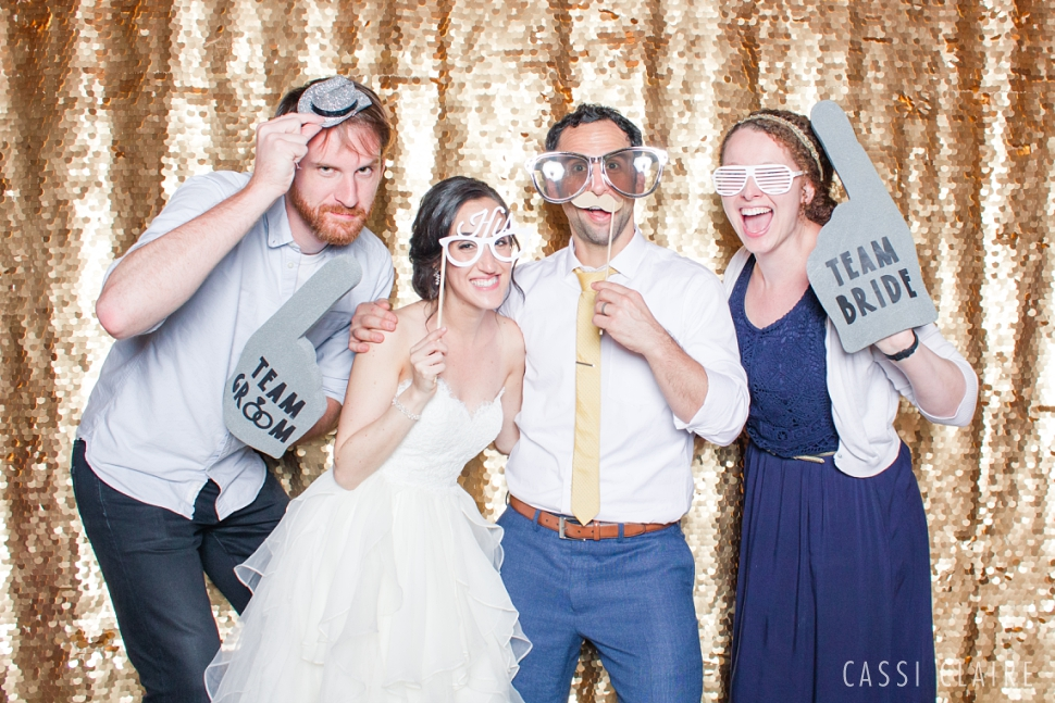 Red-Maple-Vineyard-Photo-Booth_CassiClaire_02.jpg