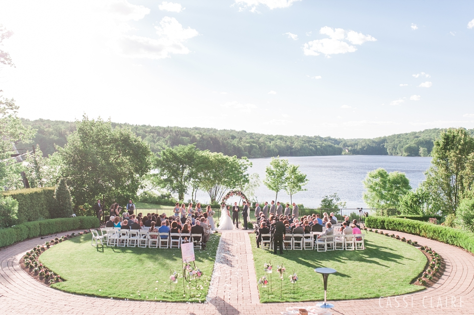 Lake-House-Inn-PA-Wedding_Cassi-Claire_34.jpg