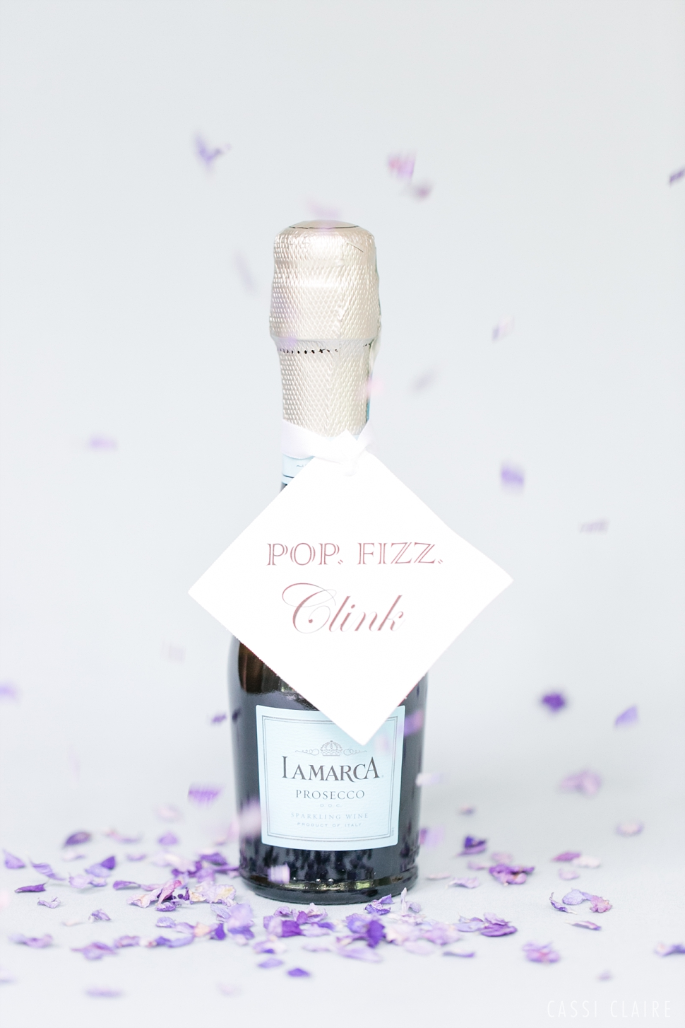 pop fizz click champagne favor