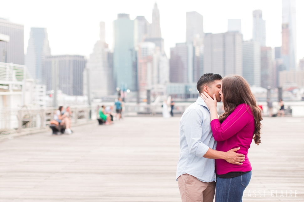 DUMBO-Brooklyn-Engagement-Photos_19.jpg