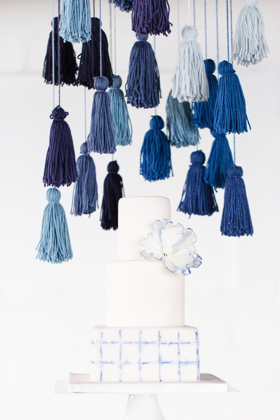 Blue-Monotone-Wedding_CassiClaire_01.jpg