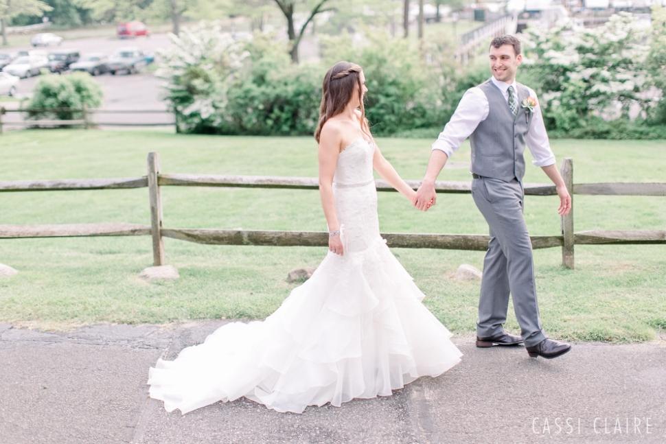 Three-Village-Inn-Wedding-Photos-Stonybrook-Long-Island_12.jpg
