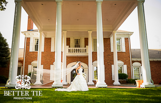Holly-Tree-Country_club-bridal-portrait-5
