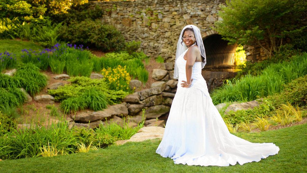 greenville-sc-falls-park-bridal-portrait-2.jpg