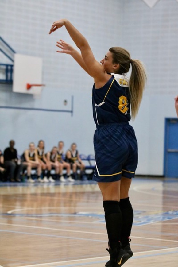 Coach Sofia Lucadello pulls up for a jumper for the Concordia Thunder VS Kings College.